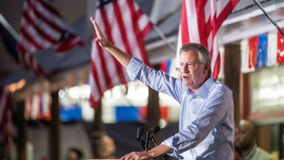New Yorks burgemeester Bill de Blasio stapt uit Democratische presidentsrace