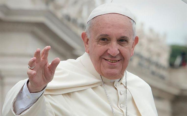 Paus Franciscus heeft Gabrielle Gambino en Linda Ghisoni een topfunctie gegeven in het Vaticaan.