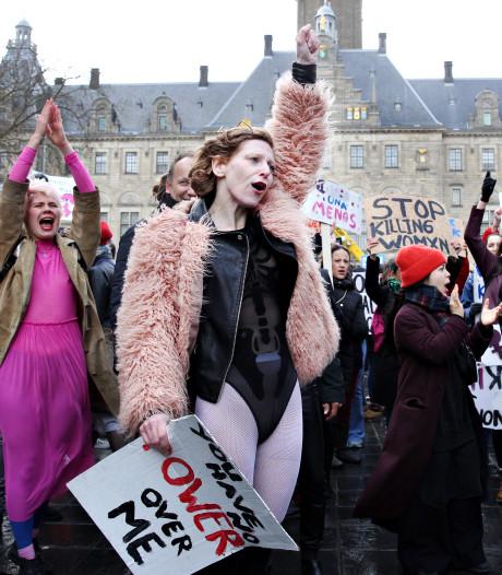Slutwalk keert terug naar Rotterdam om halt toe te roepen aan seksueel geweld