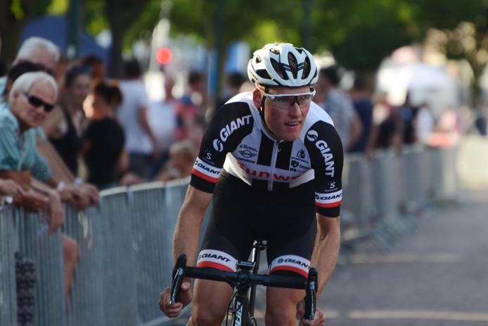 In 2018 kon Mike Teunissen nog betrekkelijk anoniem deelnemen aan Daags na de Tour in Boxmeer. In 2019 is alles anders.