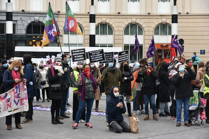 Actie tegen geweld tegen vrouwen georganiseerd door het platform Mirabal In Brussel