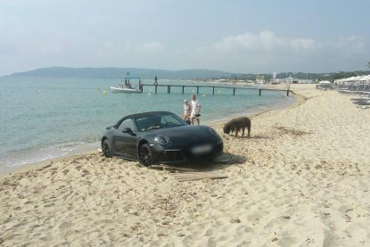Duitse Porsche strandt aan kust nabij Saint-Tropez