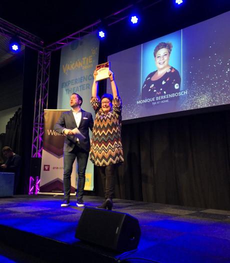 Monique (47) uit Borne is de beste reisagent van Overijssel