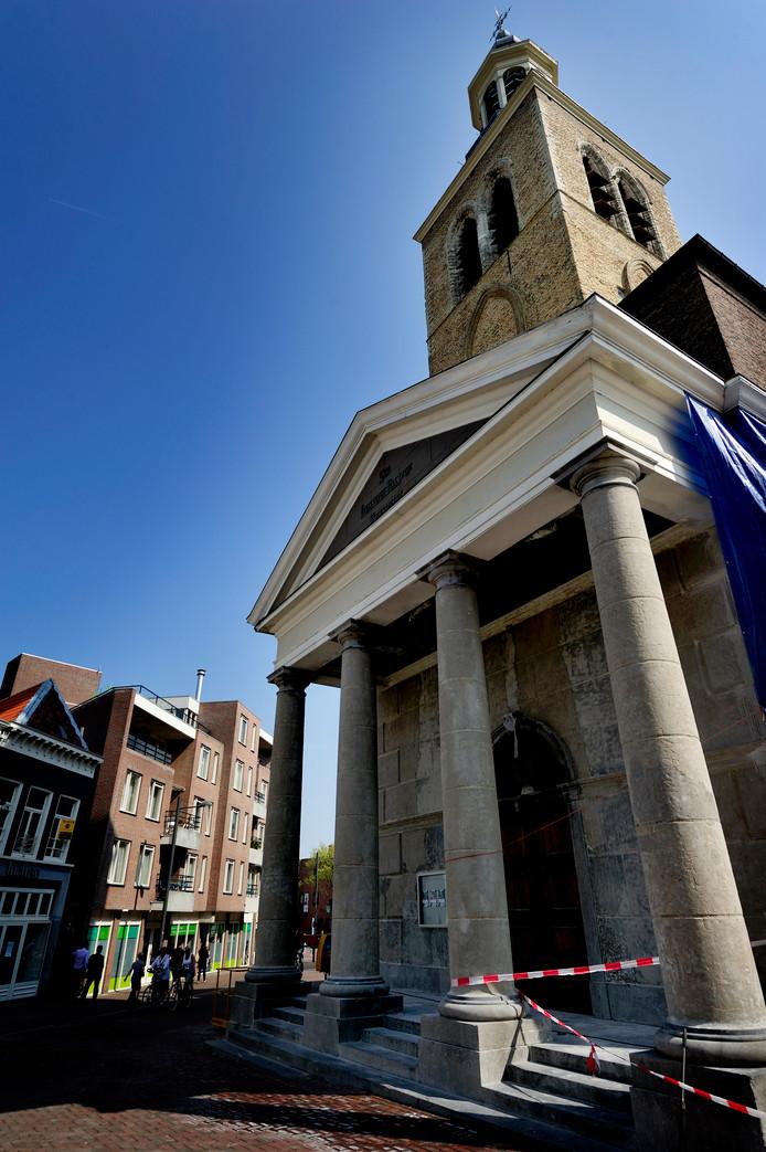 Monumentaal plaatje in Roosendaal: de St. Jan aan de Bloemenmarkt.
