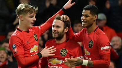 Football Talk. Man United schakelt Wolves uit in derde ronde FA Cup - Zulte Waregem vraagt licentie aan voor vrouwenteam in Super League