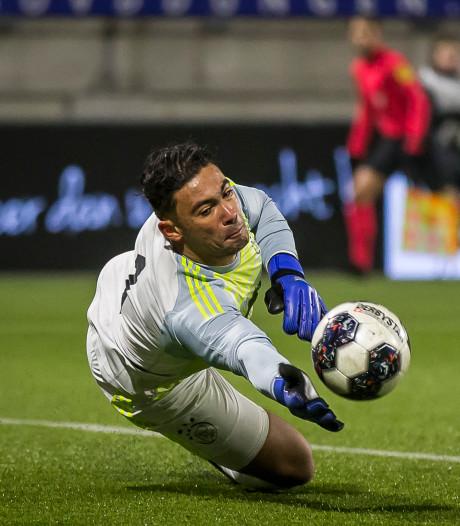 Pijnlijk debuut Helmonder Issam El Maach bij Jong Ajax: 4-1 nederlaag