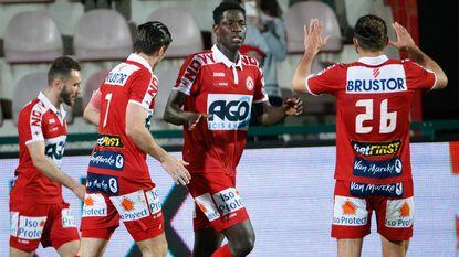 KV Kortrijk pakt punt in slotminuut dankzij parel van Sarr, eerste driepunter voor Lokeren