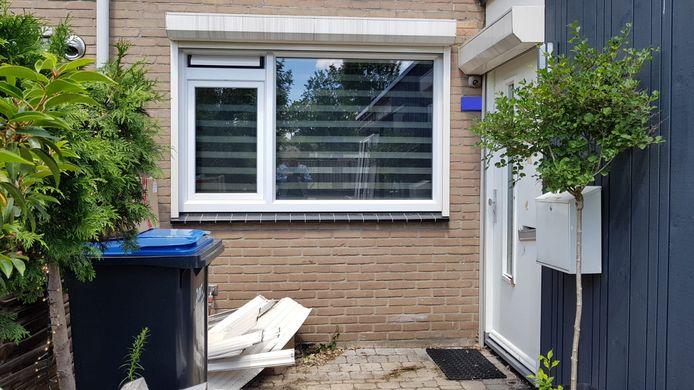 De woning in Zwanenveld waar de politie is binnengevallen.