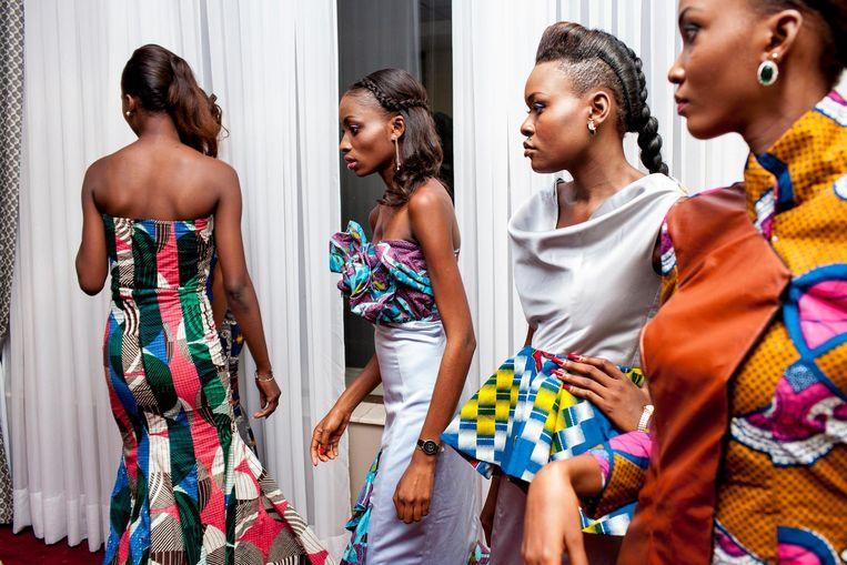Yvonne Brandwijk werd derde in de categorie Innovative storytelling met een foto van een modeshow (achter de schermen) in Kinshasa in Congo Beeld Yvonne Brandwijk