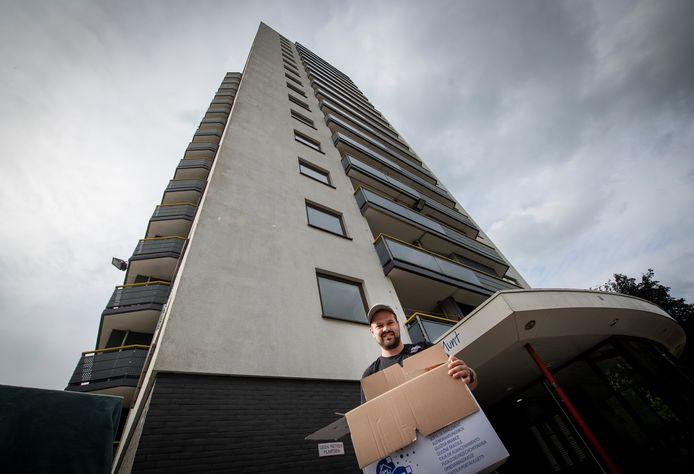 Eric Bergman woonde twee jaar in flat Munt in Apeldoorn en maakte twee keer een brand mee.