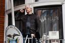 Julian Assange au balcon de l'ambassade équatorienne à Londres, le 19 mai 2017.