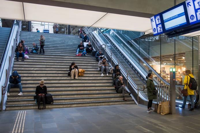 Gestrande reizigers op Eindhoven Centraal.
