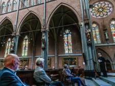 Het bijbelverhaal op de 52 ramen van de Veghelse Lambertuskerk in een boek