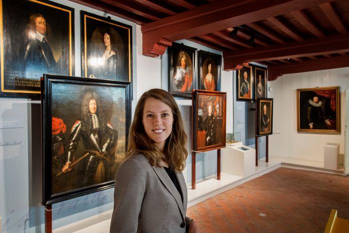 Margot Leerink heeft een studie gedaan naar de schilderijen die in het museum hangen