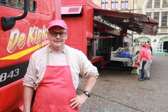 Marktkramer Peter Van Colenberghe was  slachtoffer van de diefstal van de kassa uit zijn trekker.