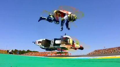 Ophef in de MotoGP: topcoureur maakt doodsmak en wordt meteen afgevoerd, maar vergeet fans in alle tumult niet