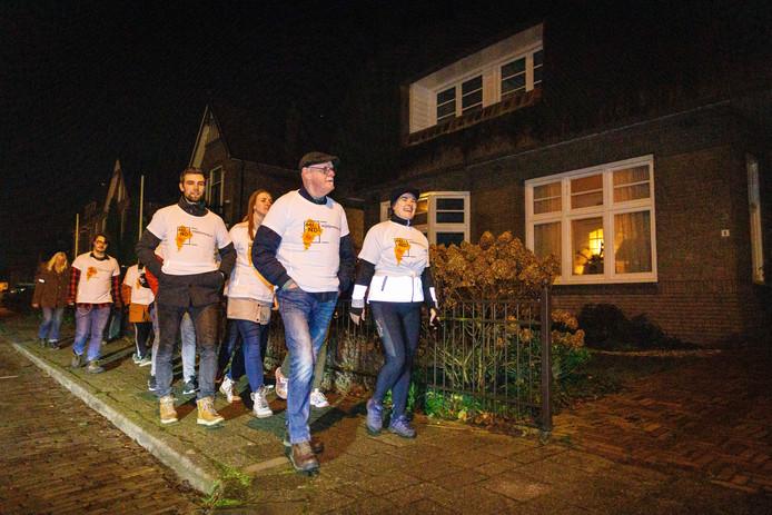 In Steenwijk werd maandag de eerste 'Blue Monday Walk' gehouden, met voorop initiatiefnemer Mariska Pasteuning.