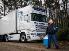 Tienjarige 'trucker' Dick Fijn uit 't Loo is in nieuwe hit zuinig op z'n vrachtwagen