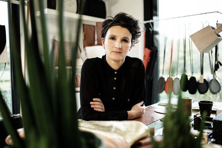 Mieke Dierckx in haar atelier