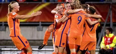 Leeuwinnen na zege op België met perfecte score naar kwartfinale EK