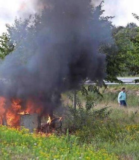 Drietal dat man uit brandende auto haalde bij klaverblad in Heerenveen, krijgt insigne van Heldenfonds