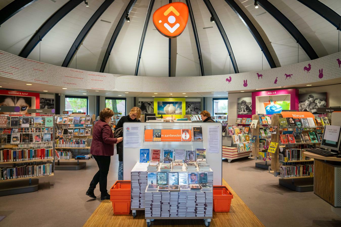 De bibliotheek in Renkum wordt met sluiting bedreigd.