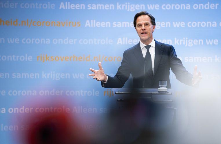Premier Rutte dinsdagavond tijdens de bekendmaking van de aangepaste maatregelen.  Beeld Freek van den Bergh / de Volkskrant