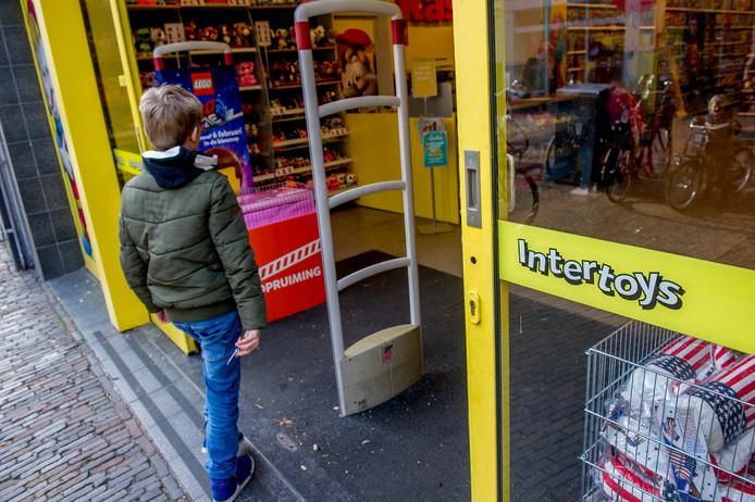 In heel Nederland staan 286 speelgoedwinkels van Intertoys. Ongeveer 100 daarvan zijn in handen van zelfstandige ondernemers.