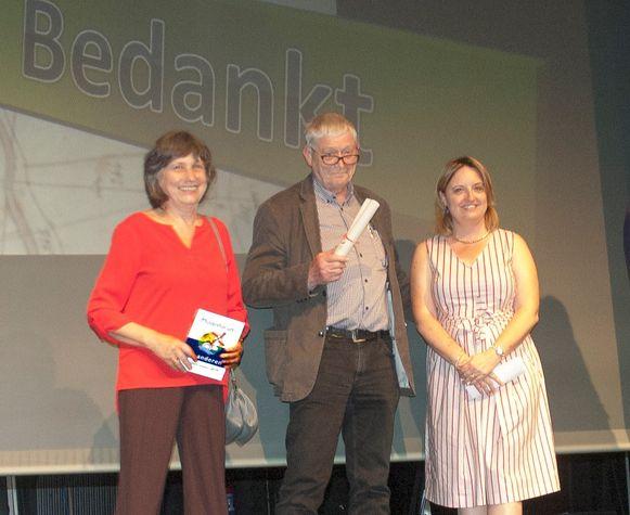 Molenaars Erik Van Hemelrijck en Linda De Wit namen samen met schepen Karlijne Van Bree de erkenning in ontvangst.
