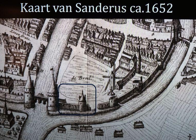 Afgelopen zomer tijdens werden er tijdens een eerste fase van het archeologisch onderzoek resten ontdekt van de voormalige stadsmuur, de stadsgracht en van de Trompetterstoren, een toren die deel uitmaakte van de stadsmuur die tot aan de Broeltorens liep.  Op deze kaart zie je rechts van de broeltorens het stukje stadsmuur dat werd opgegraven. De Trompetterstoren staat hier ook op de kaart.