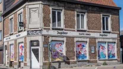 Sp.a en de Vernieuwers voeren campagne met graffiti op café