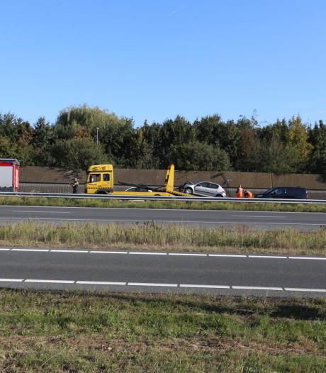 Twee auto's botsen op A50 bij Sint-Oedenrode