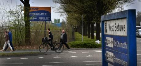 Politie houdt protest tegen Polenhotel Geldermalsen nauwlettend in de gaten