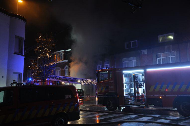 De brand ging gepaard met veel rook in het centrum van Deinze.