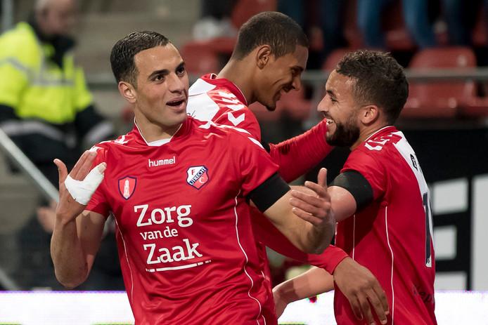 Sofyan Amrabat met achter hem Sebastién Haller. Zij leverden FC Utrecht geld op.