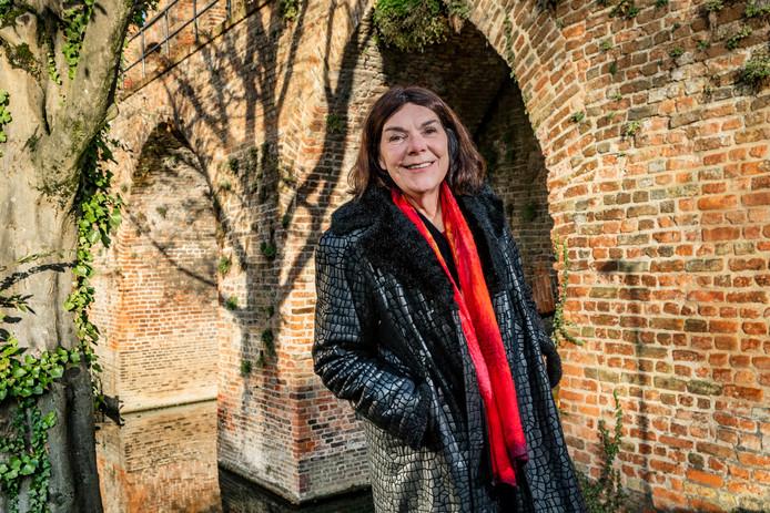 Zutphen - interview Jolande Withuis over de biografie van kunstenares Jeanne Bieruma Oosting die ze gaat schrijven. Opdrachtnummer: DS-2019-7703 Foto Rob Voss - www.robvoss.nl