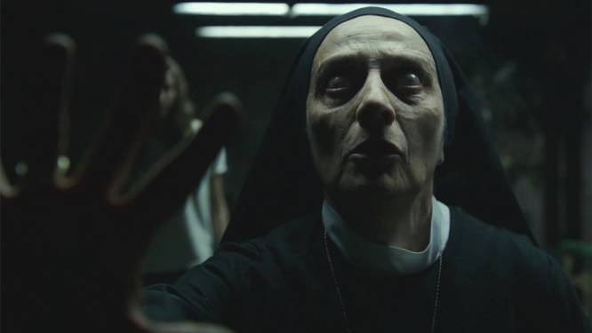 """Nieuwe Netflix-horrorfilm 'Véronica' jaagt kijkers stuipen op het lijf: """"Ik moest mijn tv uitzetten"""""""