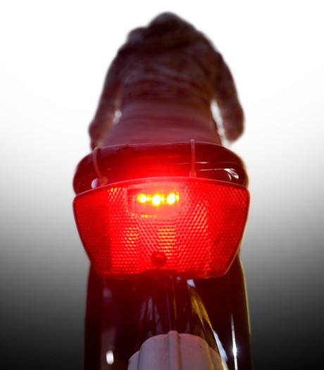 Geen gratis lampjes maar bonnen bij fietscontrole Rhenen en Veenendaal