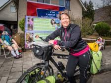 Actie van ex-kankerpatiënte uit Almelo levert ruim 6.500 euro op