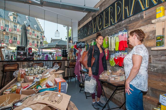 Winkel op de Goudse Markt (archieffoto).