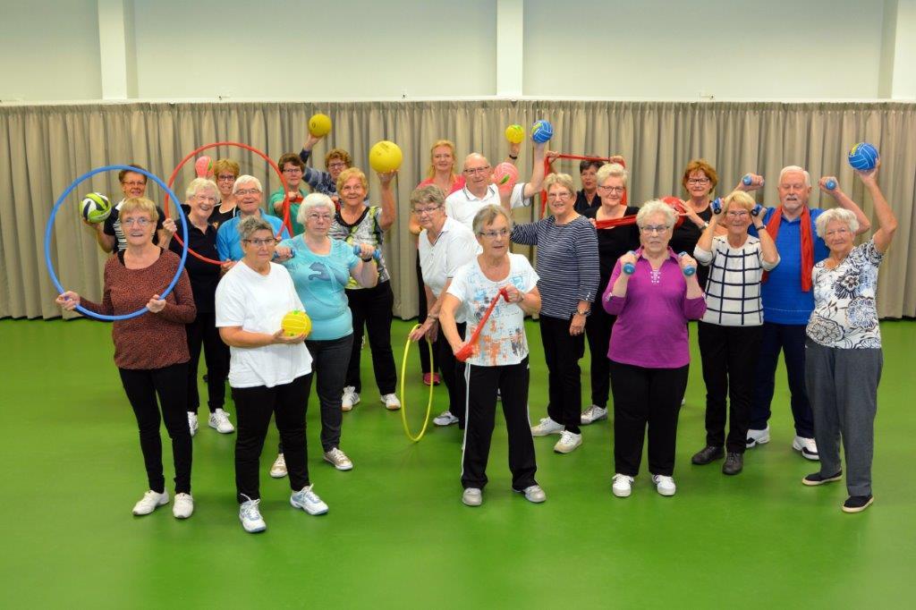 Gymnastiek voor ouderen in de Leemhof in Gendt.