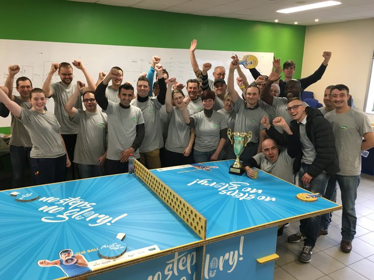 Het personeel van Ardo Koolskamp is bijzonder blij met de titel 'Meest fitte werkplek van Vlaanderen'.