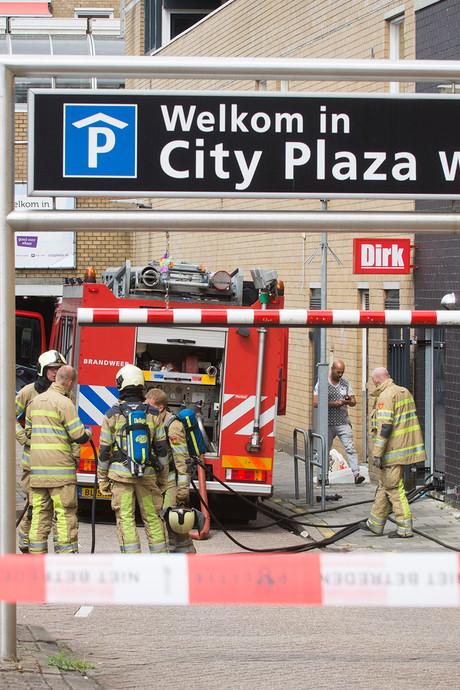 Parkeergarage Nieuwegein even ontruimd bij autobrand