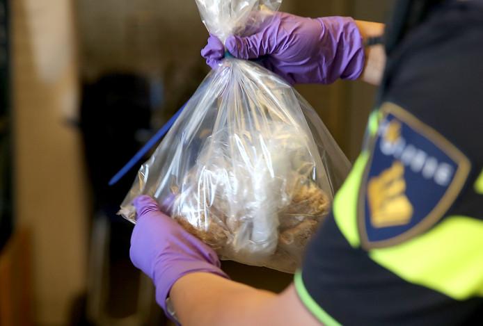Drugs gevonden in loods in Rucphen