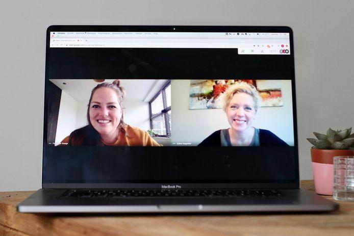 Links: Femke, freelance marketingconsultant. Rechts: Esther, werkt zelfstandig als opruimcoach.