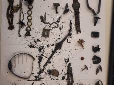 Uitgebrande kluis gevonden in Roosendaal: wie herkent verbrande sieraden?