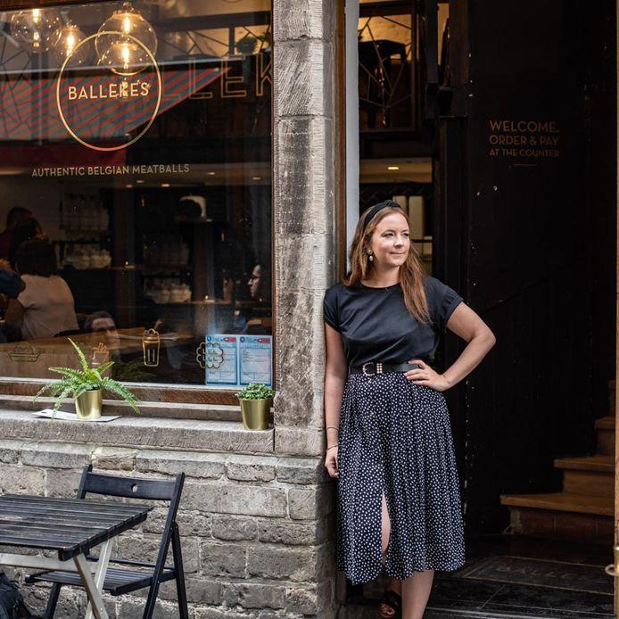 Onderneemster Florence Van Leuven bij haar restaurant 'Ballekes'.