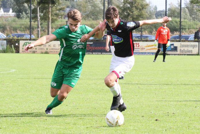 Nieuwdorp (groen) won met 3-8 bij FC Bergen.