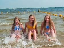 Mooi weer en vakantie: drukte op de Reeuwijkse Surfplas