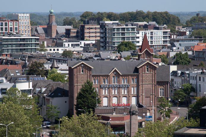 Kolpinghuis. gezien vanaf het dak van Metterswane.